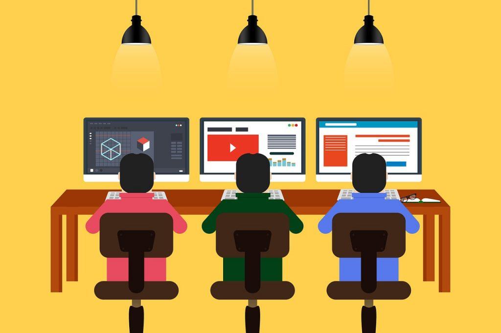 programming 4172154 1280 1024x682 - 私たちの活動について